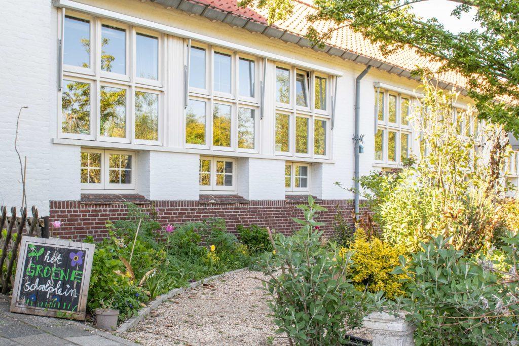 Wonderbaar In zes stappen naar een Groen Schoolplein - Groen Kapitaal WY-21